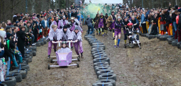 Gocart tävling i egengjorda bilar